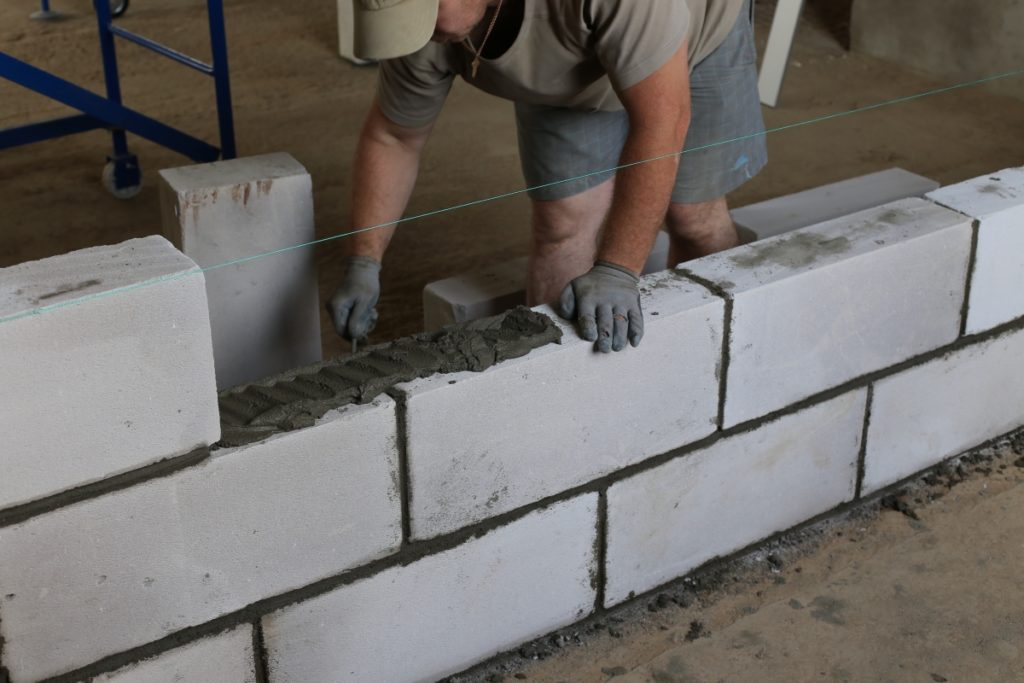 Монтаж керамзитобетона строительные банки под раствор