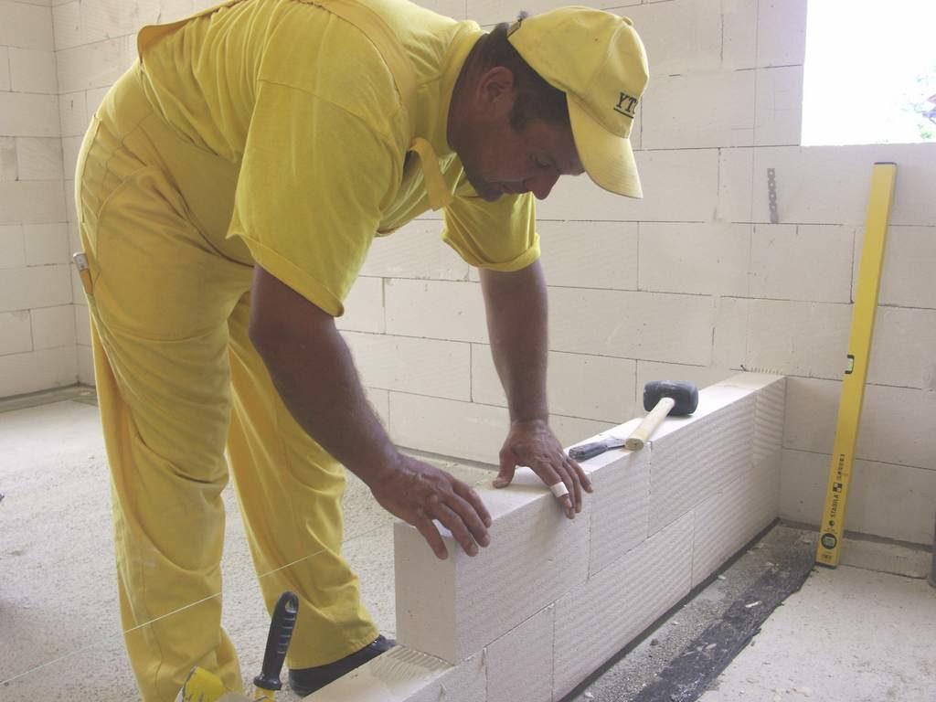 Подготовка основания керамзитоблоки