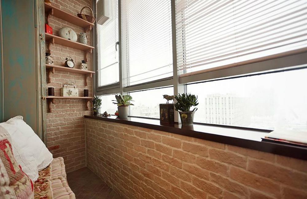 Балкон с кирпича