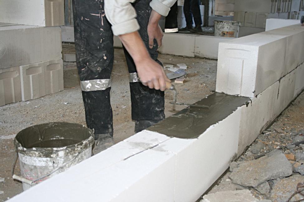 перегородки из ячеистых бетонов