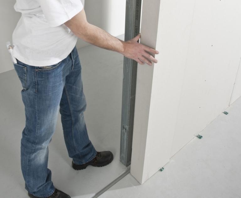 Перегородка из гипсокартона с дверью самостоятельный монтаж