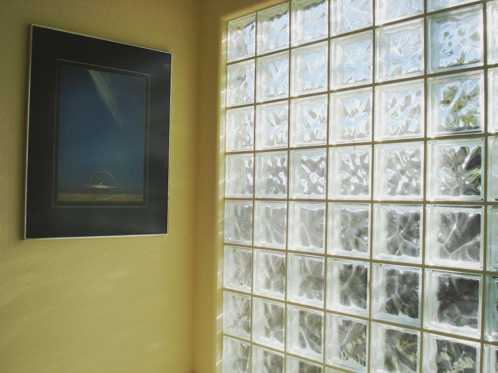 Способы монтажа перегородок из стеклоблоков, виды стеклянных блоков их достоинства и недостатки